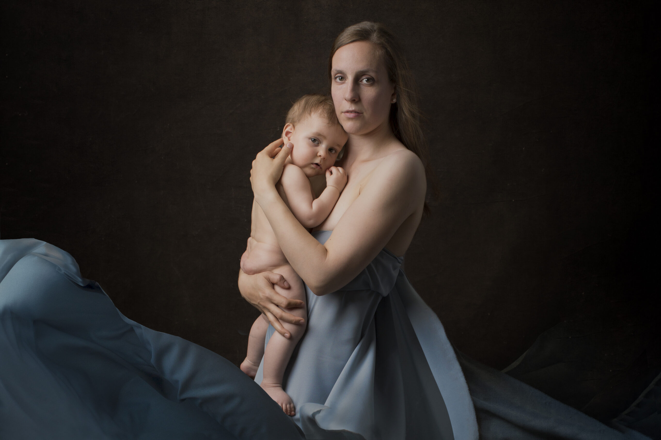 Portrait-mother-and-baby-
